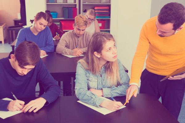 Examen First Inglés